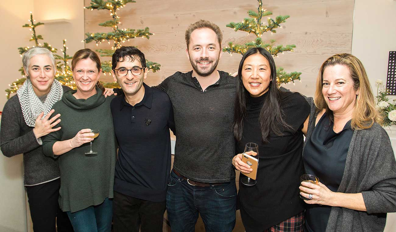 Dropbox founders hosting senior women leaders at a networking event in December 2016. From left to right: Arden Hoffman, VP of People; Amber Cottle, VP of Global Public Policy & Government Affairs; co-founders Arash Ferdowsi and Drew Houston; Lin-Hua Wu, VP of Communications; and Carolyn Feinstein, Chief Marketing Officer.