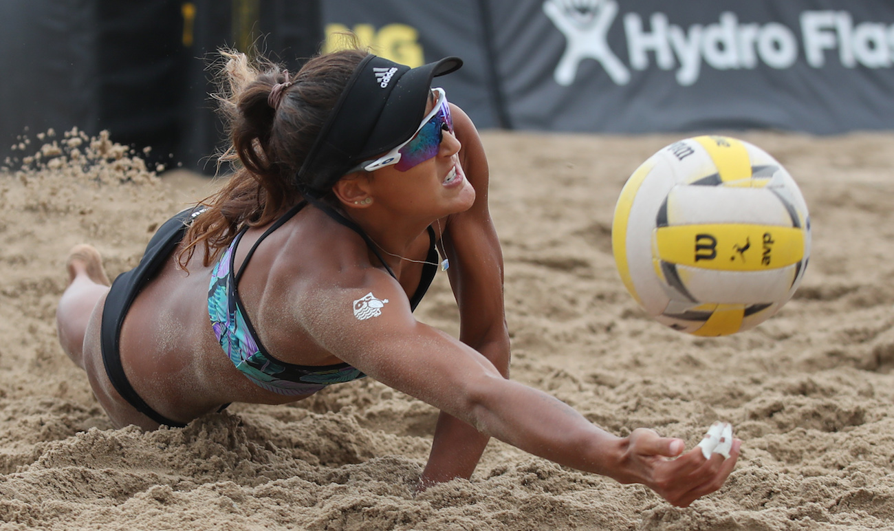 AVP Beach Volleyball Pro Geena Urango (photo by Mpu Dinani @agamephoto)