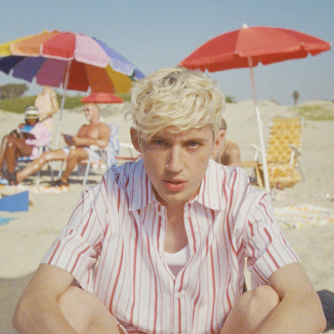Screenshot of Troye Sivan from the Lucky Strike video
