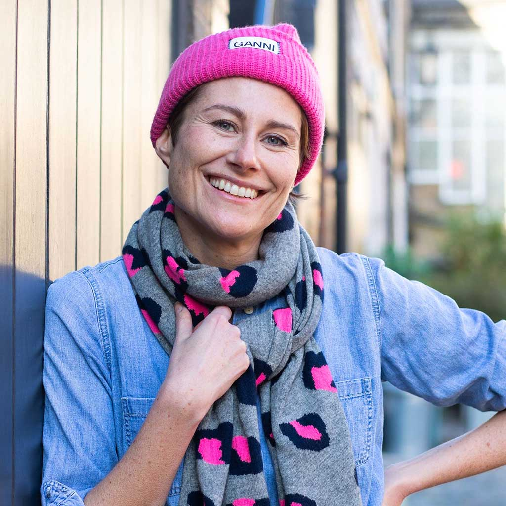 Author Annie Auerbach